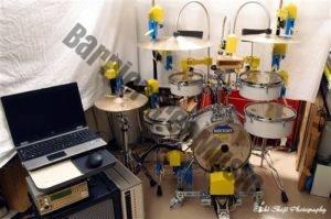 MUSICROBOT 打楽器演奏ロボットIROPS-4号機(リズムトラベラー RT-645N/Cをベース)